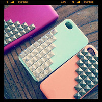 NEW IPhone 5 DROID Pyramid Stud Phone Cover
