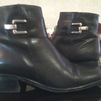 Womens Black Leather Zip Up Beatle Boots Size 7M