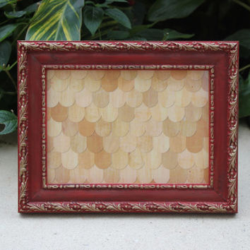 Regal red and gold 5 x 7 picture frame