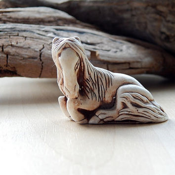 Horse netsuke, horse figurine sculpture, netsuke figurine, miniature animal, japanese horse, collectible figurine gift ideas, horse totem