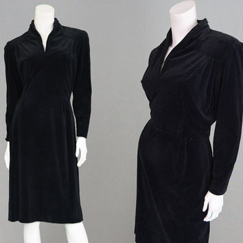 Vintage 40 Dress Black Velvet Dress 1940s Evening Dress WW2 Dress Gothic Dress Cocktail Dress Formal Dress Velvet Evening Dress Party Dress