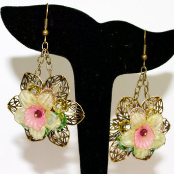 Filigree Flower EarringsAntique by YssormDesigns on Etsy