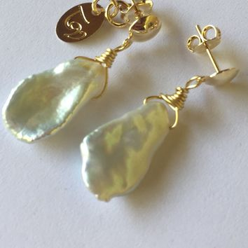 Teresa Verlengieri - Mother Pearl Earrings