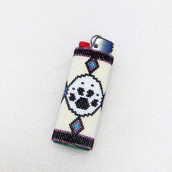 Beaded Lighter Cover Wrap In Native American Wolf Paw Design/Wolf/Lighters/Covers and Wraps/Accessories/Gifts/Seed Beads/Southwestern