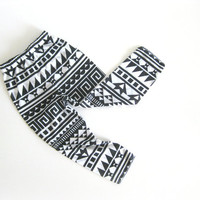Black and White geometric print leggings for baby girl/ baby boy
