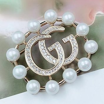 GUCCI Fashion New Diamond Letter More Pearl Brooch Accessories Women Gold