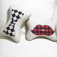 ZLCY Set of 2 Lip and Bowtie Bone Shape Pillows for Couple
