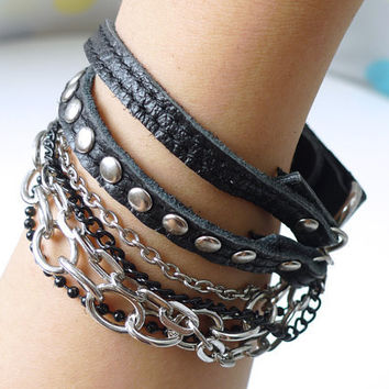 Chic Black Leather Bracelet With Rivets