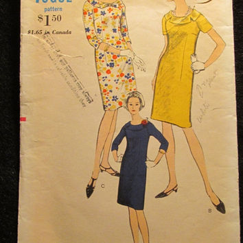 Sale 1960's Vogue Sewing Pattern, 6807! Size 16 1/2 Bust 37 Medium/Large/Women's/Misses/Easy Retro Dress/Round Neckline/Short Sleeves/Long S