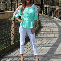 Buttons And Lace Top, mint