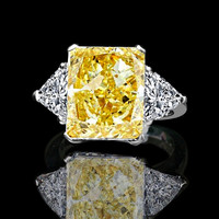 5 ct radiant center classic style settings canary ring w/two 1ct triangular sides simulated diamond-diamond veneer set in sterling silver platinum electroplated
