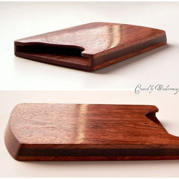 Mahogany business card holder by Woodstorming
