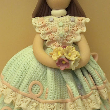 Collectible Vintage GIFINA Faceless Figurine from the Dominican Republic