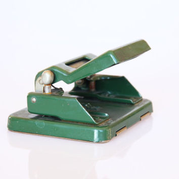 Industrial green metal paper puncher, green office decoration, antique industrial perforator, retro green hole puncher, retro desk accessory