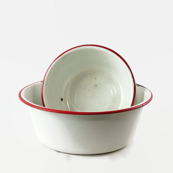 Vintage Enamel Bowl, Red and White Enamelware, Enamel Wash Basin, Farmhouse Decor, Enamel Kitchenware