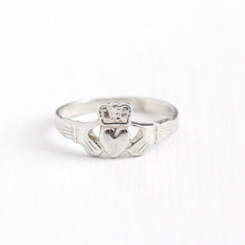 Vintage Sterling Silver Symbolic Irish Claddagh Ring - Estate Size 6 3/4 Gloved Hands Holding Heart with Crown Promise Friendship Jewelry