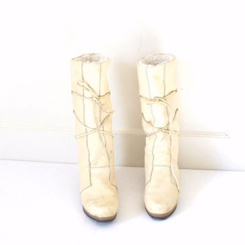 size 7 SHEEPSKIN moccasins / 1970s vintage 70s iconic retro TALL white SHERLING winter boots