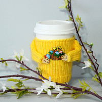 Easter coffee cozy. Easter basket applique. Yellow mug sweater. Travel mug cozy. Easter eggs. Coffee sleeve. Spring Starbucks office coffee