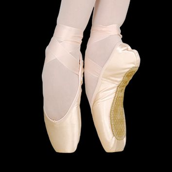 2007 Pointe Shoe (Medium Shank)