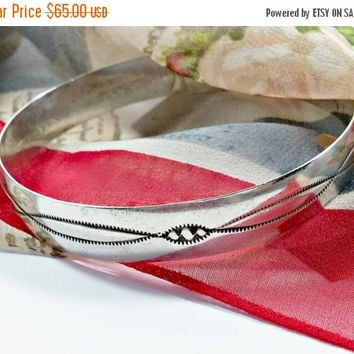 "sTERLiNG sILVeR bANgLE bRACeLET Etched sOUThWEsT Western Style 7/16"" W ~ A Standout Addition To Your Bracelet Collection Wider Than Average"