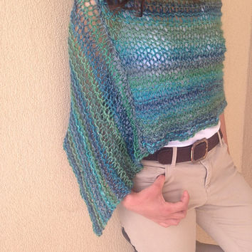 Green knit poncho , alpaca poncho sweater , knitted green wrap , trend knitwear , wool poncho , alpaca poncho , wool green wrap, green trend