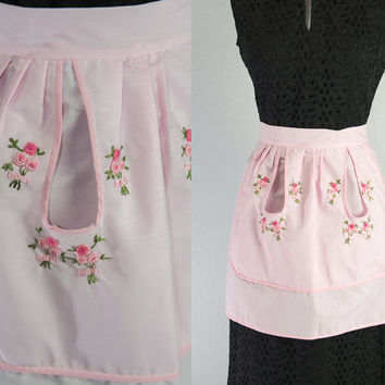 Vintage 1950's Pink Pin-up Apron with Embroidered Roses and Loop pockets
