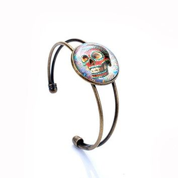 Lureme Casual Jewelry Time Gem Series with Disc Charm Open Bangle Bracelet 06001796parent