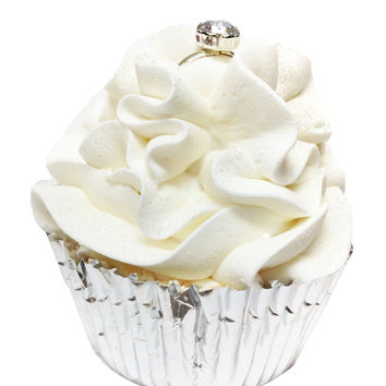 Feeling Smitten Wedding Cake Cupcake Bath Bomb