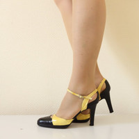 Authentic Dior heels . 1970's yellow and black leather sandals . Size 38 . cubesandsquirrels