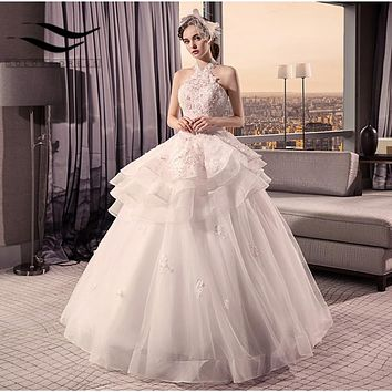 2018 New Style Halter Beading Handwork Flowers Ball Gown Tiered Wedding Dresses Sexy Wedding Gwon Bridal Dresses Lace Up Back