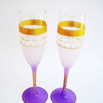 Wedding Champagne Glasses, Purple Wedding, Glasses toast,  Champagne Toasting Flutes, Painted glasses, Champagne glasses purple