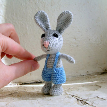 Small bunny, crochet rabbit charm, crochet amigurumi, plush rabbit, amigurumi crochet rabbit, soft rabbit, crochet doll, crochet plush toy