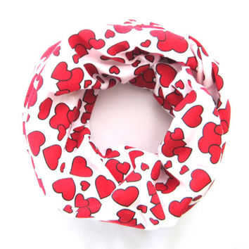 Red Heart Scarf, Child's Scarf, Toddler Scarf, Valentine Day Scarf, Baby Bib Scarf, Toddler Girl Scarf, Children's Clothing, Ready to Ship