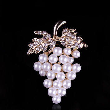 Simulated Pearl Grape Brooch Pins for Women Assorted Imitation Pearl Flower Pins and Brooches