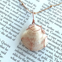 Seashell necklace - Bohemian Jewelry - Copper Necklace - Bridal Jewelry - Bridesmaid Gift - Wire Jewelry - Wire Wrapped - Shell - Hippie