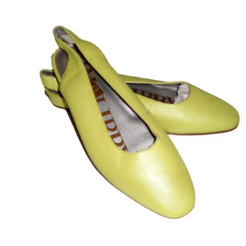 Vintage 60s SAM & LIBBY Chartreuse Lime Green Leather Slingback Flats Shoes 6B - New Old Stock