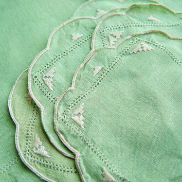 Vintage Linen Doily And Coaster Set, in Herb Green