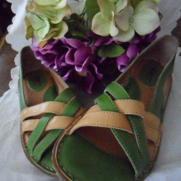 Vintage Born Leather Sandals Vintage Shoes Size 6 Beach Chic
