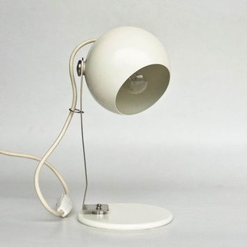 Modern Table Lamp / Vintage Desk Lamp / Bedside Lamp / 80's Lighting / White