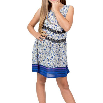 Adorable Tween Paisley Dress with Lace Detail and Tie Back
