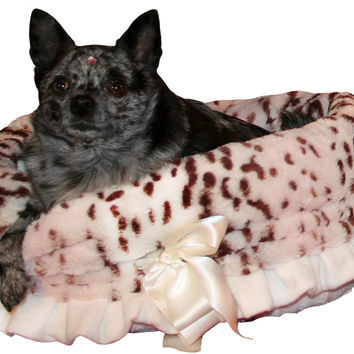 Pet Flys Snow Leopard Blush/Cream Snuggle Bug Dog Bed & Bag