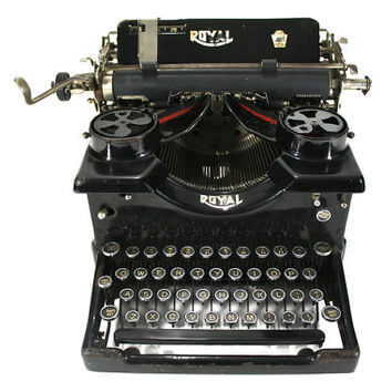 Vintage Typewriter Royal 10