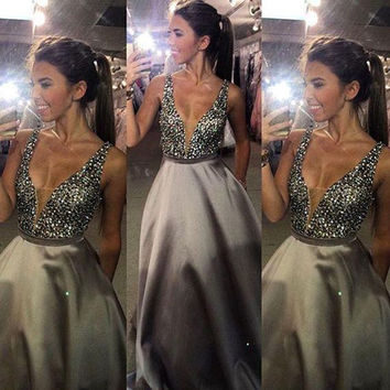 Sexy Beaded Ball Gown Gray Prom Dress Deep V Neck Prom Dresses Sparkly Crystals Girls Prom Gowns Cocktail Party Dresses RM89