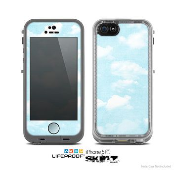 The Vintage Cloudy Skies Skin for the Apple iPhone 5c LifeProof Case