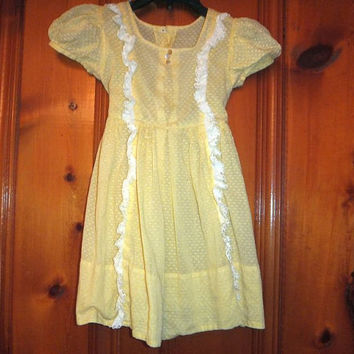1950s Mid Century Toddler's Frock / Swiss Dot Fabric / Girl's Yellow Dress / Eyelet Ruffles / 2, 3 or 4 yr. old
