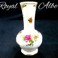 1962 Royal Albert Porcelain Vase, OLD COUNTRY ROSES, White with Red Pink & Gold Roses, 24k Gold, Gift For Collector