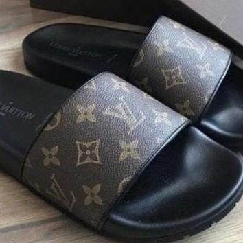Supreme Slippers x LV Slippers Casual Fashion Women Floral Print Sandal Shoes Coffee