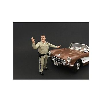 Highway Patrol Officer Directing Traffic Figurine / Figure For 1:24 Models by American Diorama