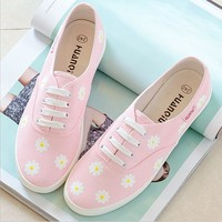 Leisure line with flat shoes and white fresh canvas Daisy shoes Pink