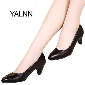 YALNN Black Women Shoes Pumps Ladies Medium Heel Nude Sexy High Heels Weeding Shoes Women Office White Pumps for Girls
